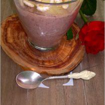 Lekki deser czekoladowy z ananasem
