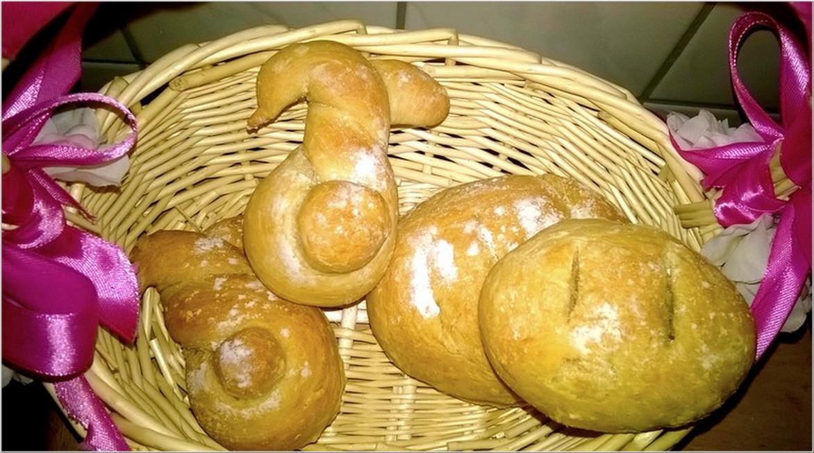 Wielkanocne chlebki i zajączki do koszyczka