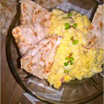 Chrzanowa pasta z kiełkami rzodkiewki (1)