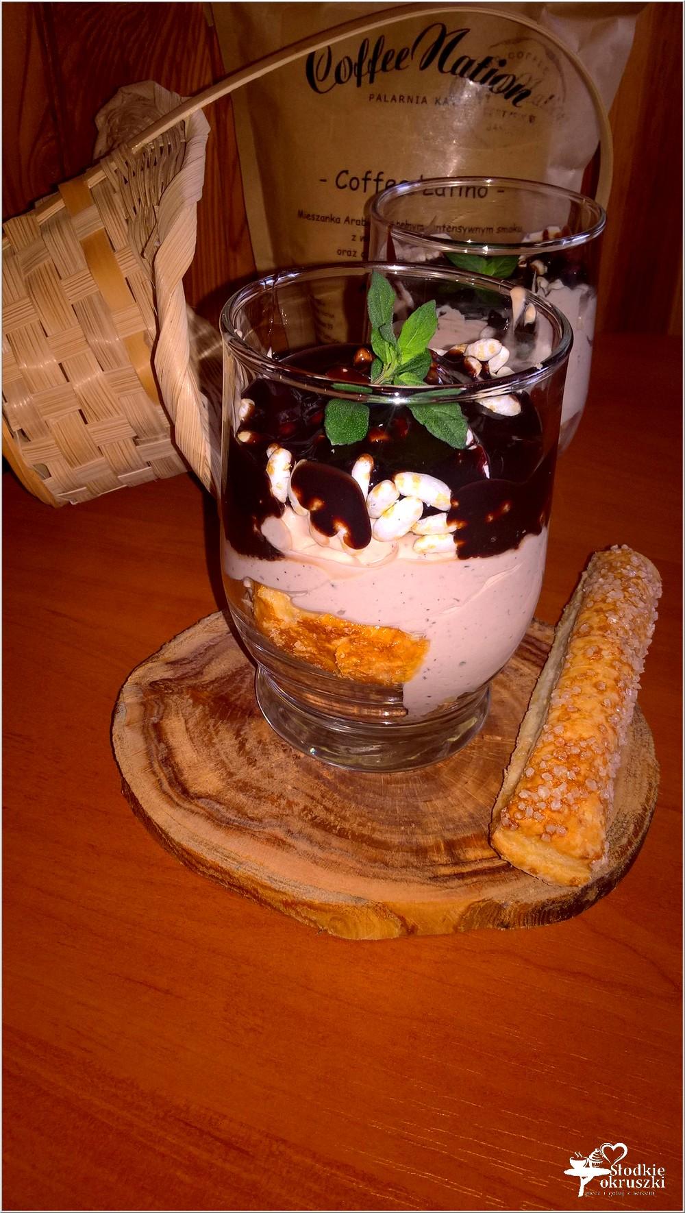 Deser z kremem kawowym (2)