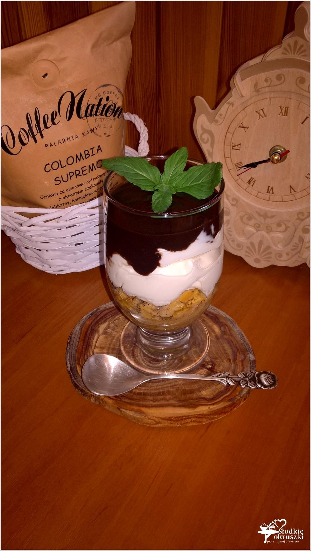 Kremowy deser z amaretto warstwą kawową i czekoladą (2)