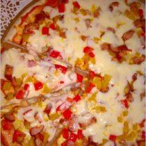 Pizza dwa sery z kiełbasą sycylijską