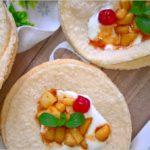 Szybki deser z cynamonowym jabłuszkiem na chrupiących waflach