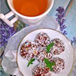 Bardzo kokosowe kuleczki daktylowe (na mannie kokosowej)
