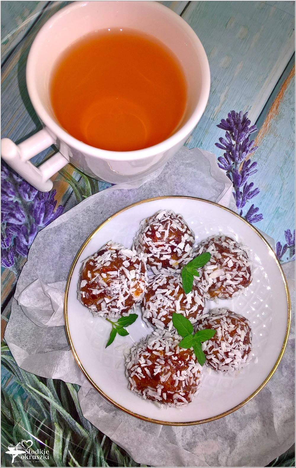 Bardzo kokosowe kuleczki daktylowe (na mannie kokosowej) (2)