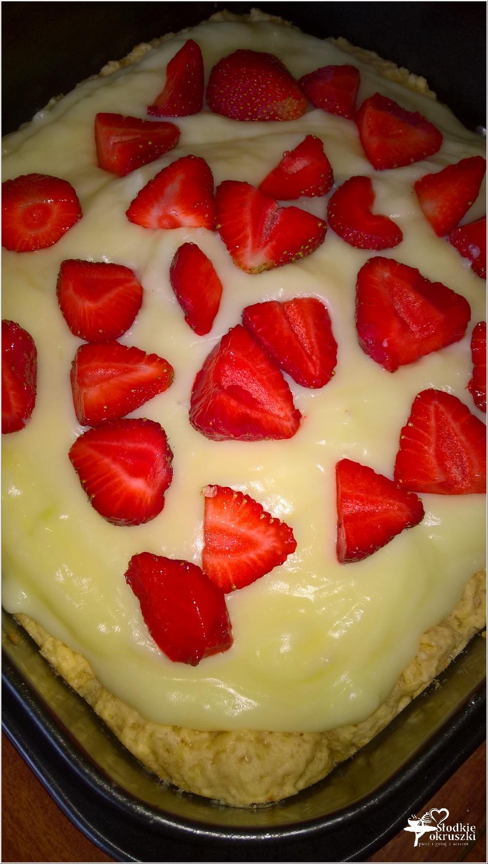 Ciasto z truskawkami i budyniem (kruche) (4)