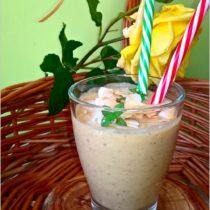Kremowe owocowo migdałowe smoothie (1)