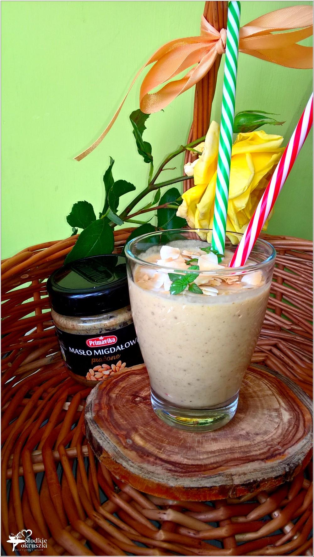 Kremowe owocowo migdałowe smoothie (2)