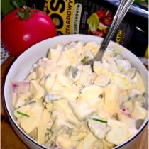Wyrazista w smaku sałatka z sosem musztardowo-chrzanowym (1)