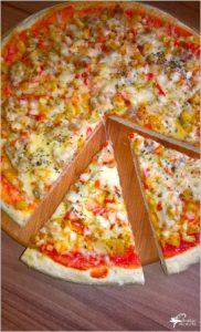 Cebulowa pizza (na suchych drożdżach) (1)