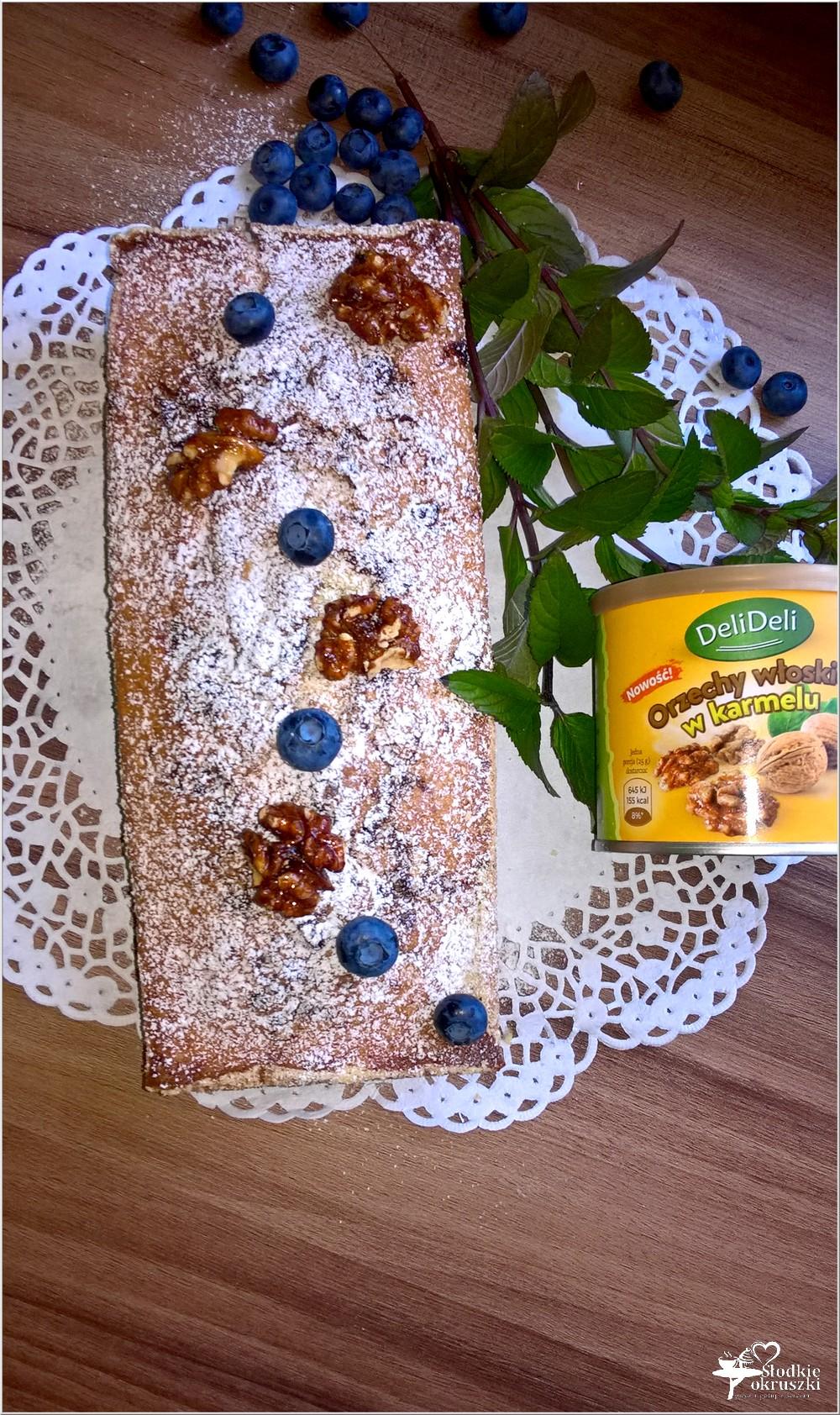 Ciasto z jagodami i orzechami włoskimi w karmelu (bez miksera) (3)
