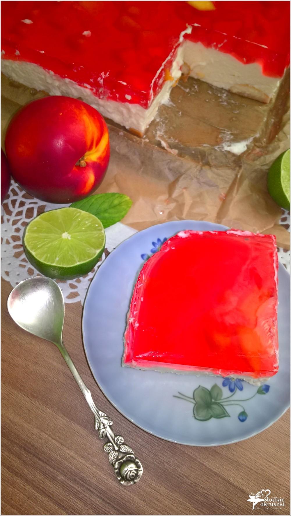 Kremowy sernik z limonkową nutą i nektarynkami (na zimno) (5)