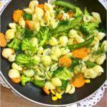 Muszelki z mieszanką warzyw w 18 ziołach Ojca Mateusza