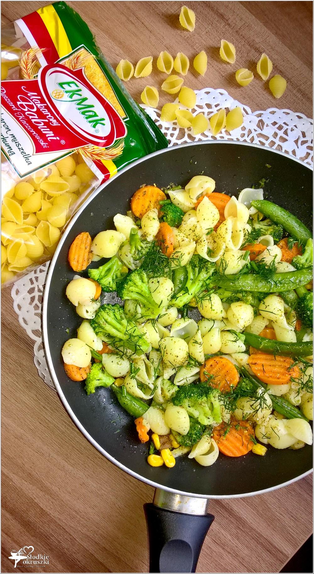 Muszelki z mieszanką warzyw w 18 ziołach Ojca Mateusza (2)