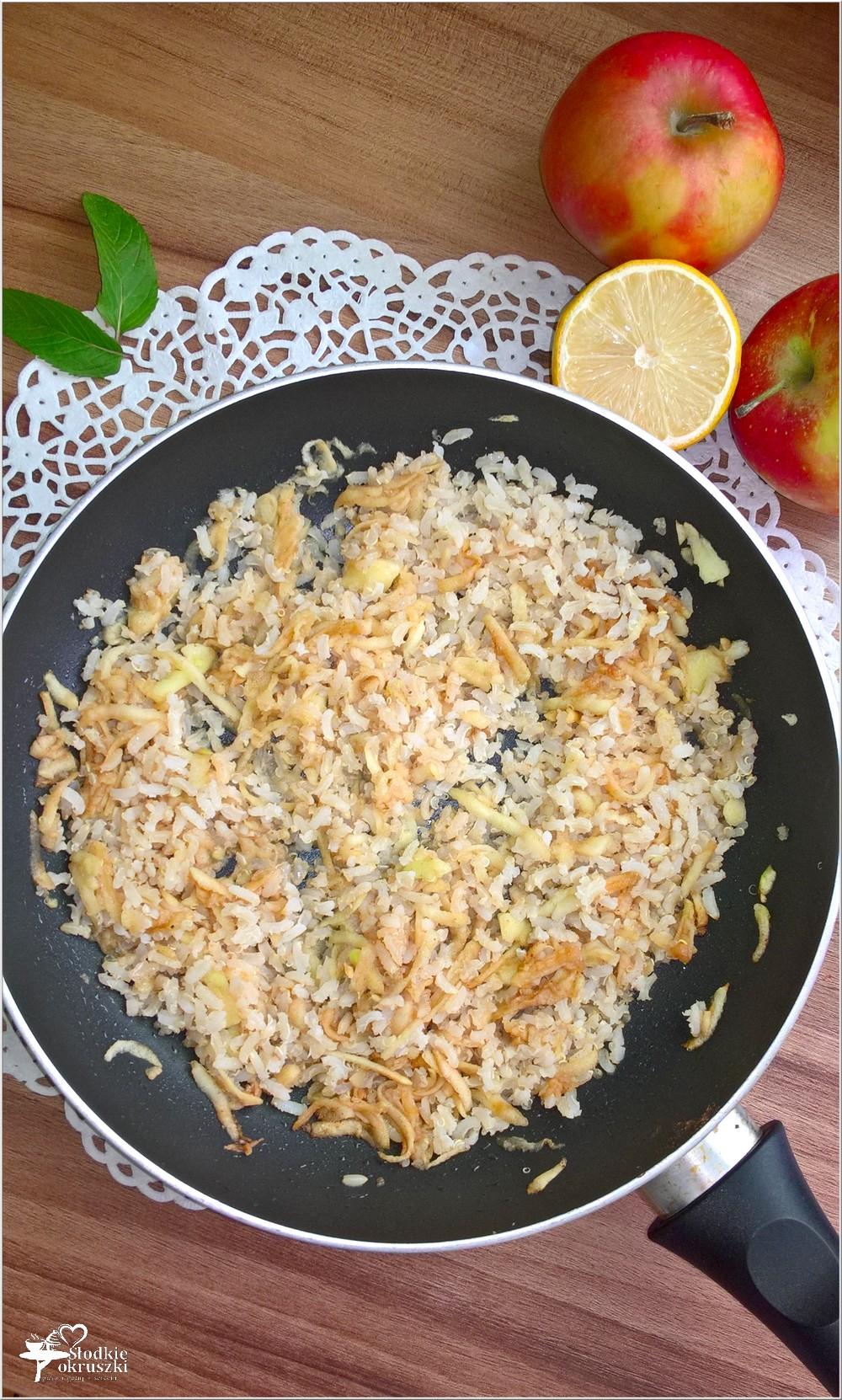 Quinoa z ryżem i jabłkami (1)