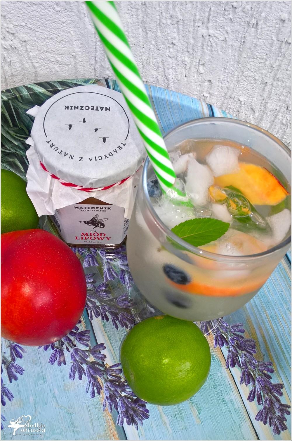 Miodowo-limonkowa woda smakowa (z całymi owocami) (3)