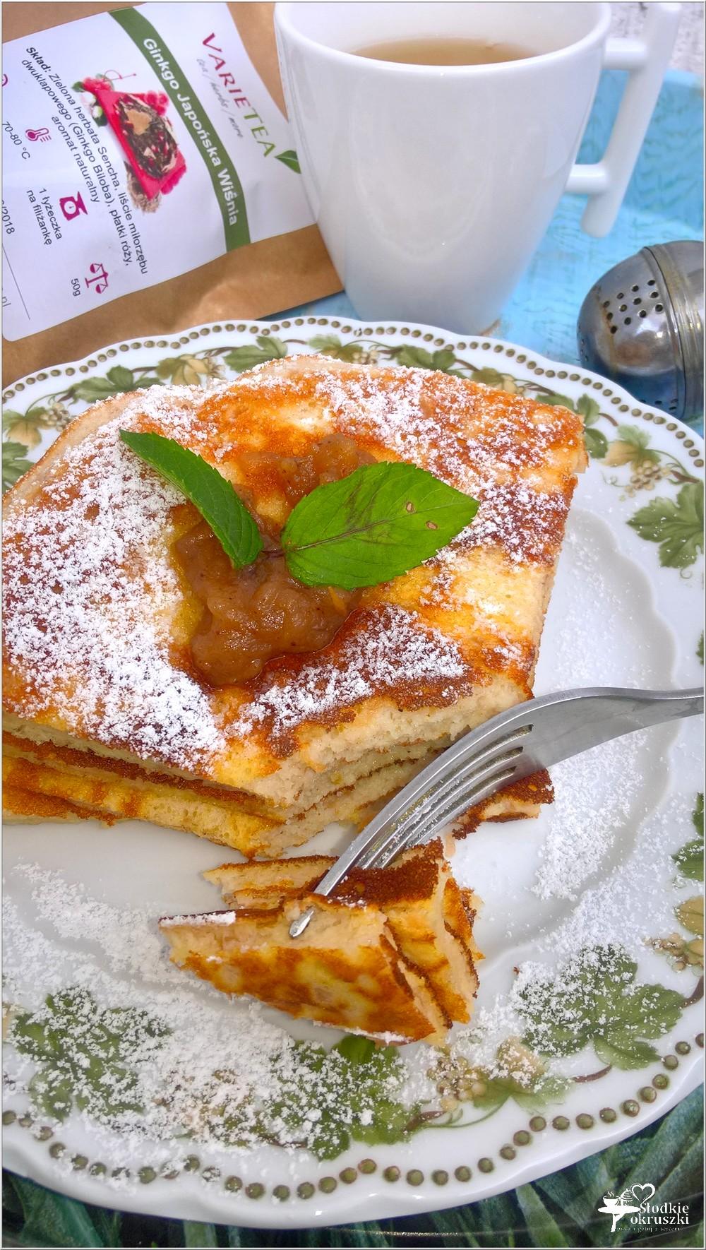 Szarlotkowy omlet z aromatyczną zieloną herbatą (1)