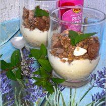Waniliowo-różany pucharek z owocami i musli (1)