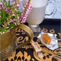 Miodowo cynamonowa kawa z miodowymi krówkami (1)