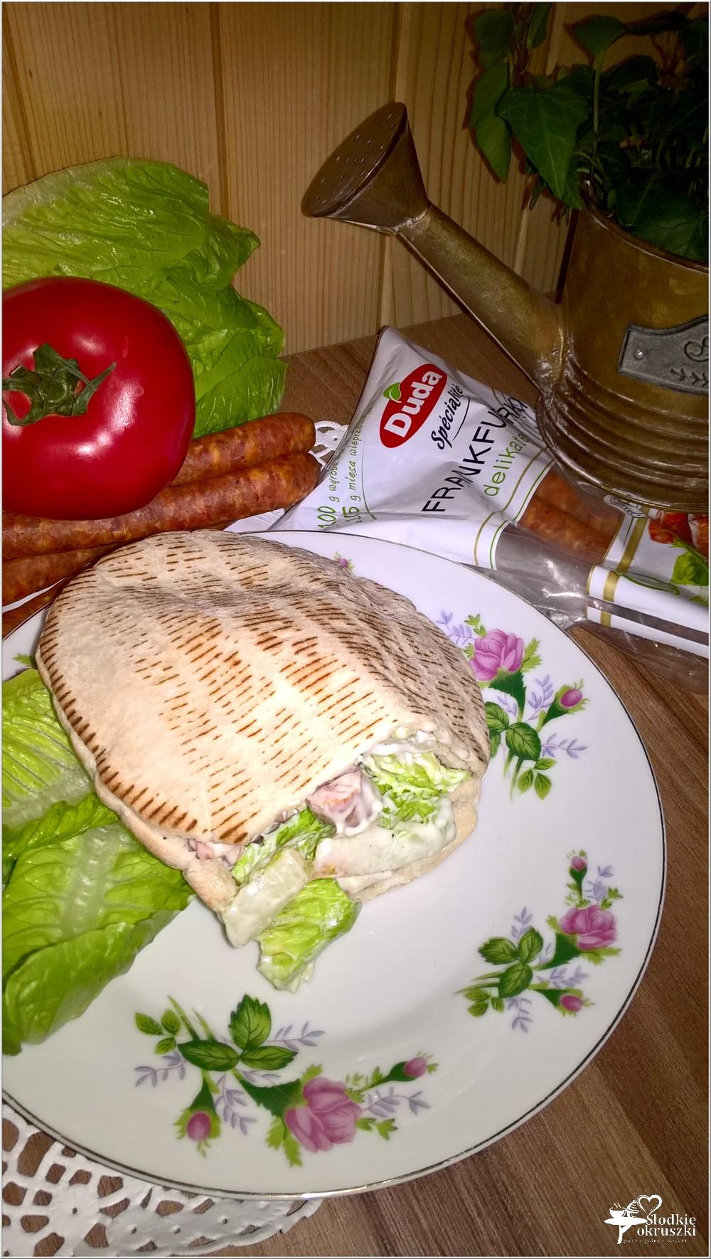 Szybki obiad. Pita z frankurterkami w domowym sosie (3)