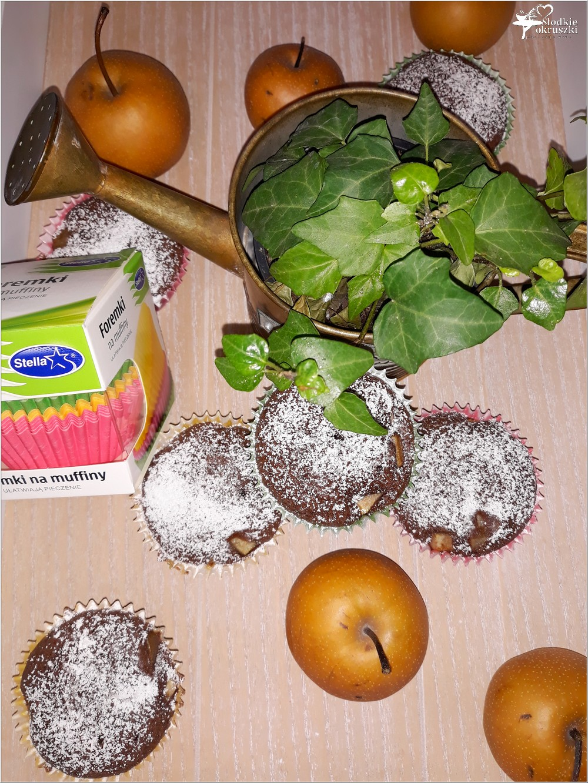 Kakaowe muffinki nadziane jabłko-gruszką (9)