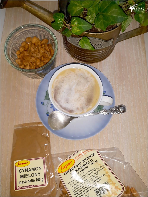 Karmelowa kawa z cynamonową pianką (3)