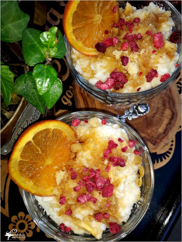 Szybki deser ryżowy z ananasem, pomarańczą i syropem klonowym (1)