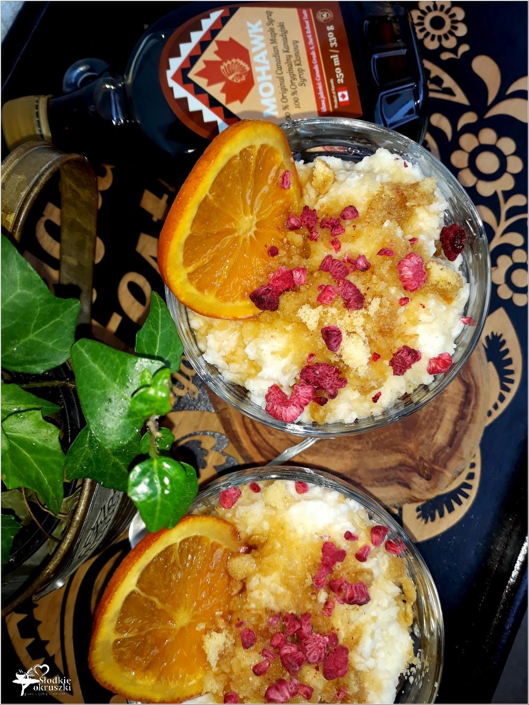 Szybki deser ryżowy z ananasem, pomarańczą i syropem klonowym (3)