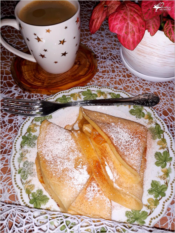 Cynamonowe naleśniki z prażonymi jabłkami (1)