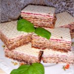 Kakaowo-miodowe wafle z jagodową nutą