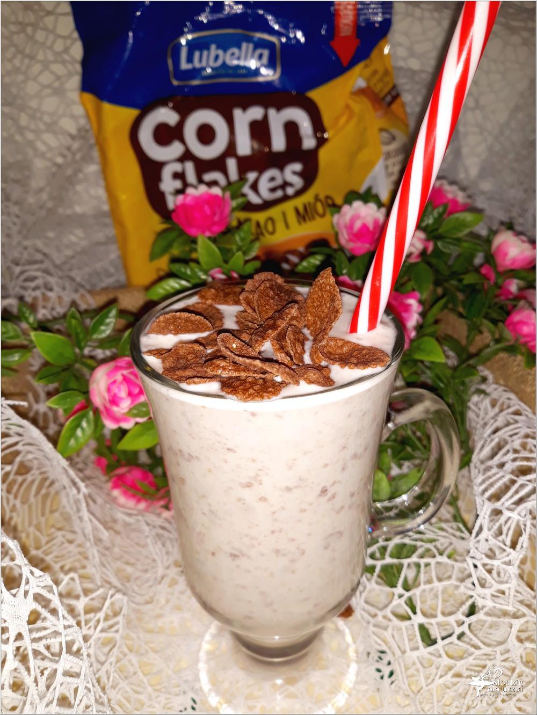 Kokosowy koktajl w czekoladowe kropki (2)