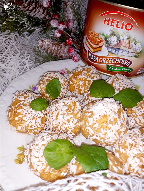Orzechowe kartofelki z kokosową nutą. Deser w kilka chwil (2)