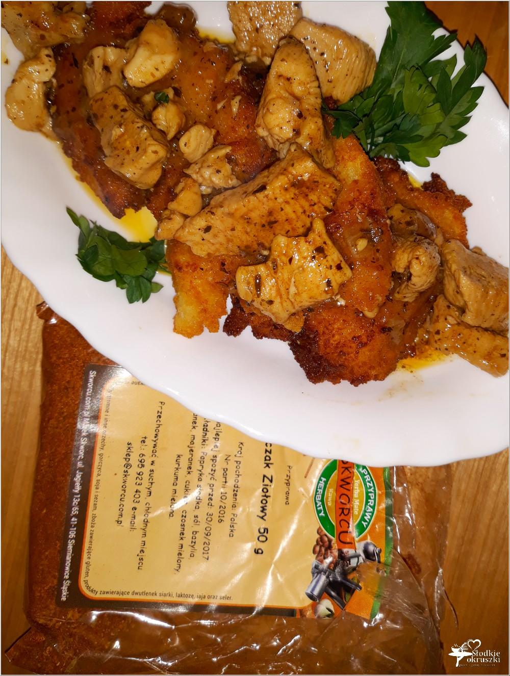 Placki ziemniaczane z kurczakiem w ziołowym sosie (2)