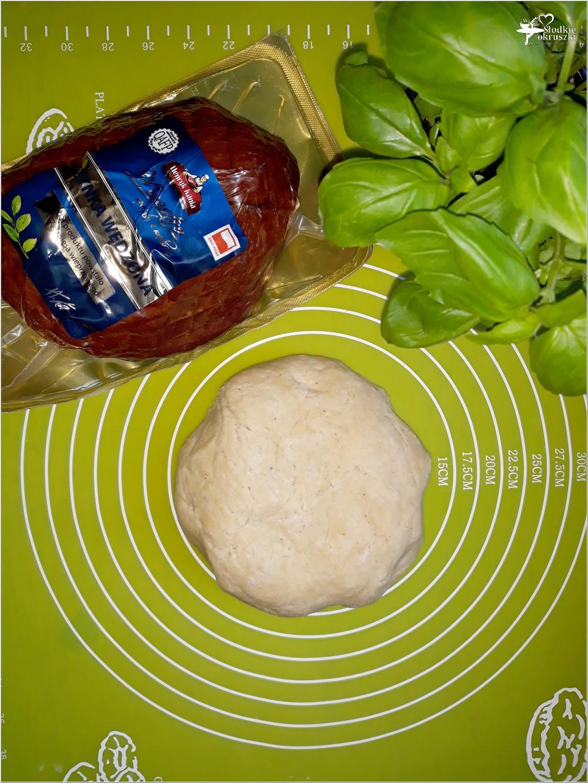 Przygotowanie zawijanych bułeczek (1)