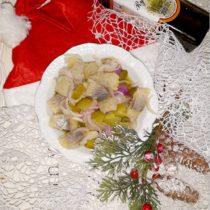 Świąteczny śledzik z ogóreczkiem w oleju rydzowym (1)