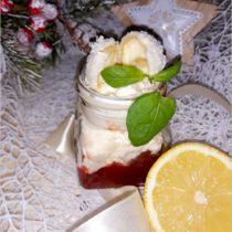 Cytrynowy deser z rafaello z truskawkową słodyczą (1)