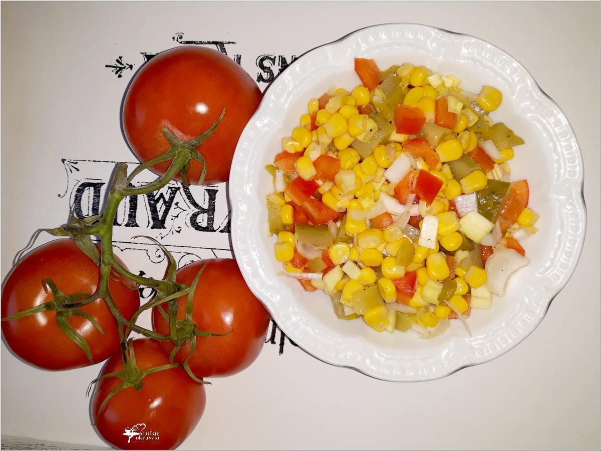 Ekspresowa surówka obiadowa (z kukurydzą, ogórkiem) (1)