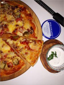 Prosta sylwestrowa pizza i szybki sos chrzanowy (1)