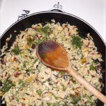 Szybki koperkowy smażony ryż z jajkiem i pieczarkami (1)