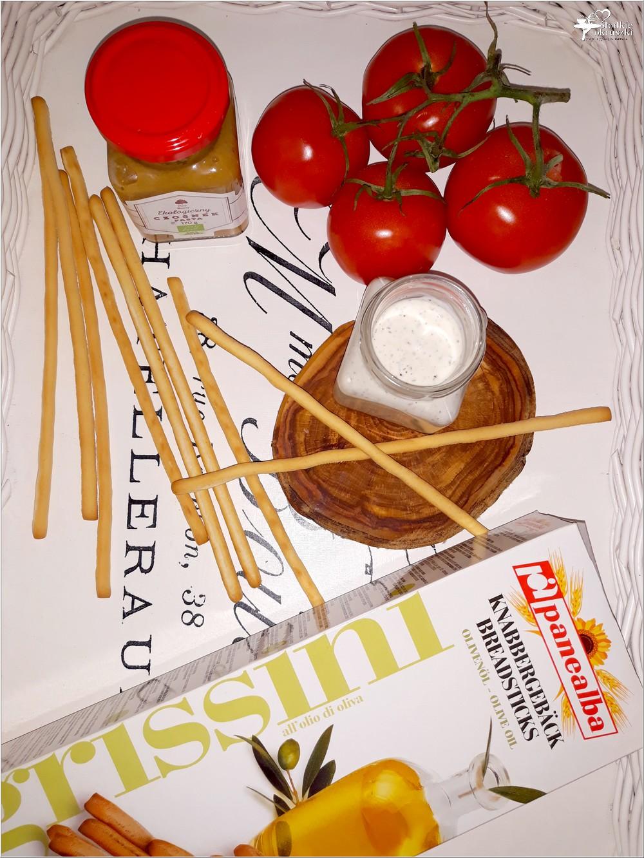Szybki sos czosnkowo-bazyliowy do paluszków chlebowych (2)