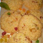 Szybkie ciasteczka z kandyzowanym ananasem i nutą cynamonu
