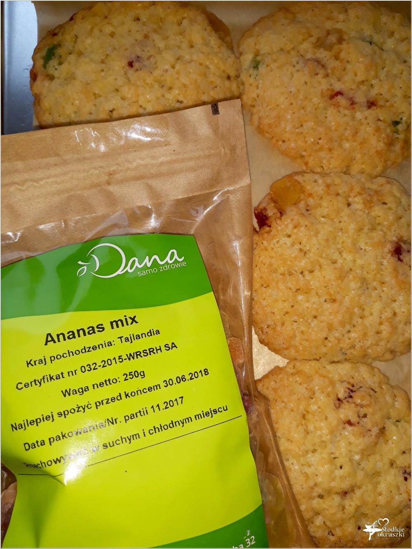 Szybkie ciasteczka z kandyzowanym ananasem i nutą cynamonu (2)