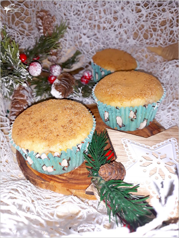 Waniliowe muffinki z rodzynkami (1)