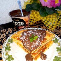 Kokosowy omlet z kremem czekoladowym
