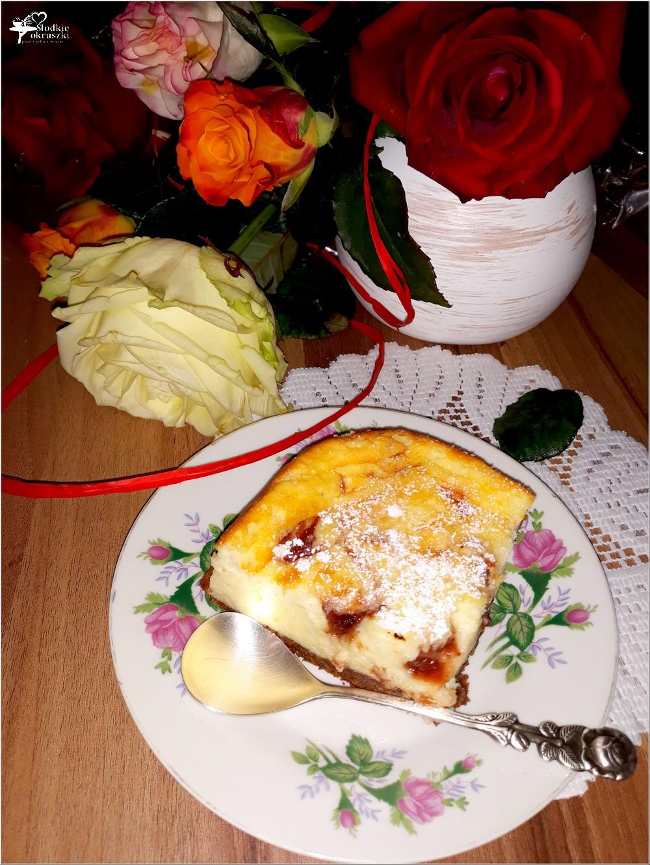 Sero-jogurtowiec z konfiturą (na markizowym spodzie) (4)