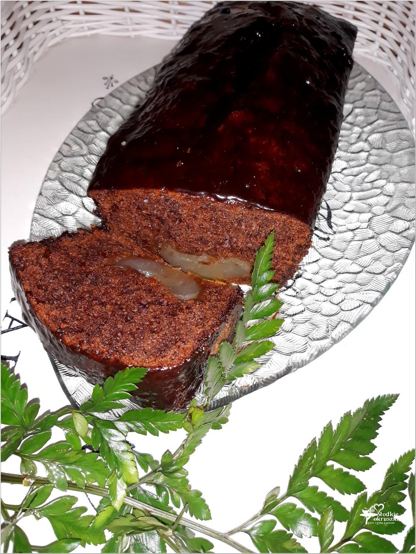 Szybkie ciasto czekoladowe z gruszką (1)
