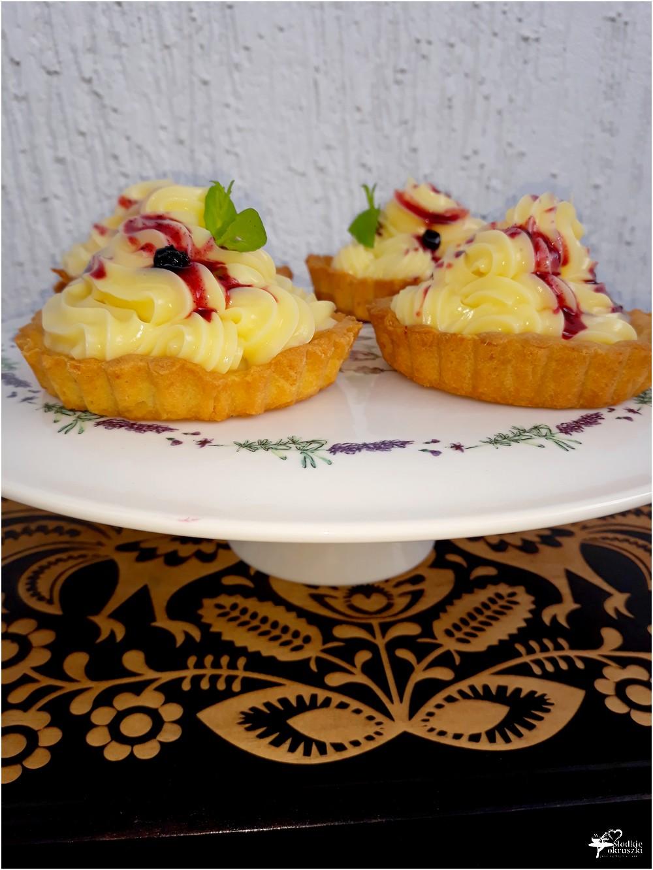 Tartaletki z konfiturą jagodową i kremem waniliowym (2)