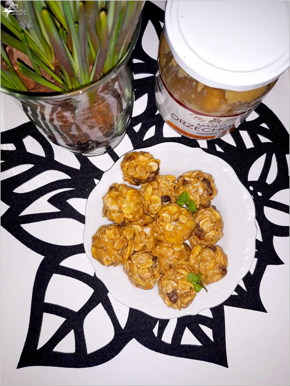 Kuleczki musli z masłem orzechowym (1)