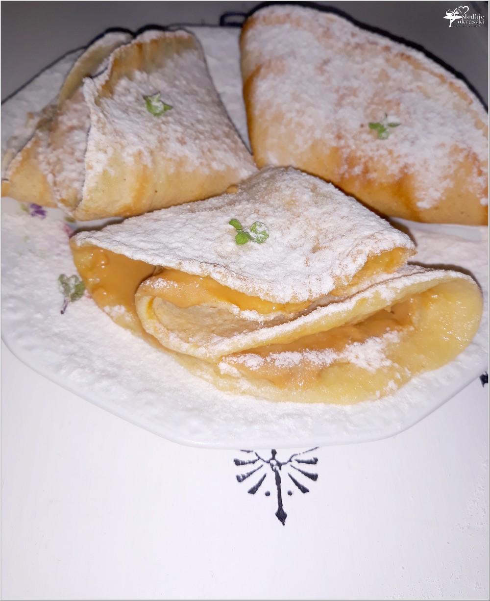 Naleśniki z masłem orzechowym (1)