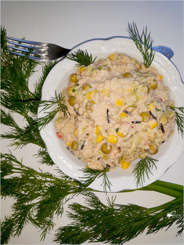 Ryżowa sałatka z tuńczykiem, brokułem i mieszanką meksykańską (1)